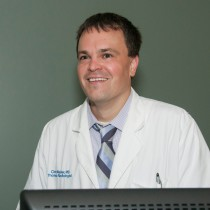 Chris Walker, M.D, UMKC faculty, teaches cardiac imaging, and speaks at the ARRS.